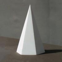 Гипсовая модель Пирамида шестигранная 21 см 1,1 кг (АР-100-6)